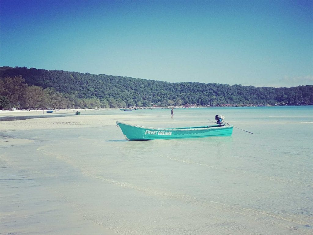 Sweet-Dreams-Boat-on-Saracen-Bay-Koh-Rong-Samloem